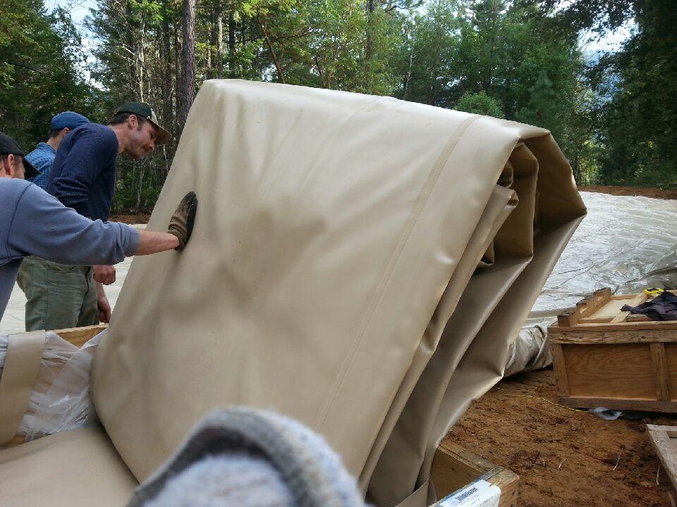 Unfolding tank
